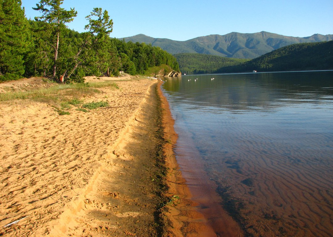 Sandy beaches of Chivyrkuisky Bay image
